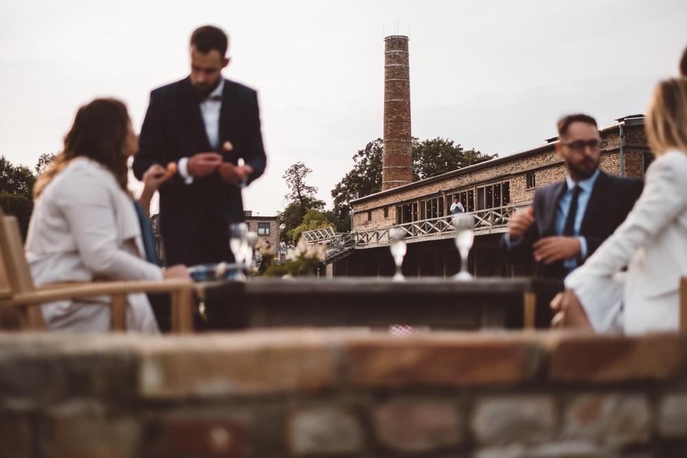 rustykalne wesele w cegielni rzucewo 069