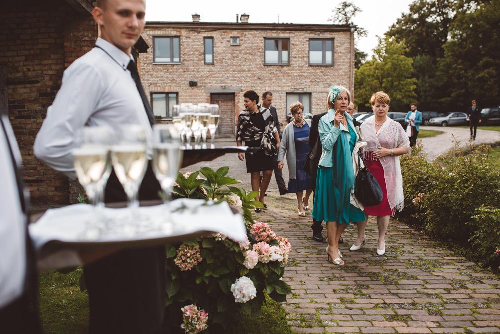 rustykalne wesele w cegielni rzucewo 070