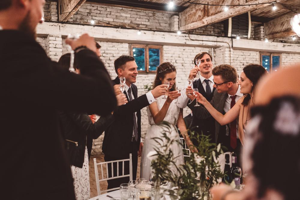rustykalne wesele w cegielni rzucewo 090