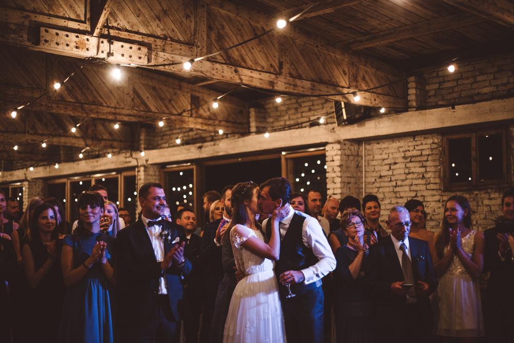 rustykalne wesele w cegielni rzucewo 098