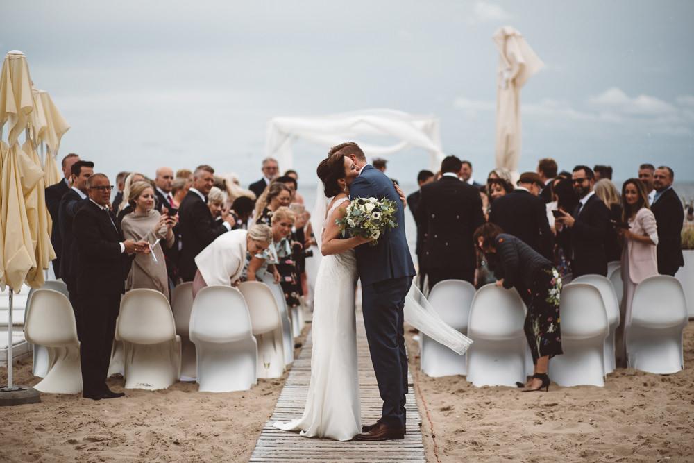 Ślub na plaży w Zatoce Sztuki