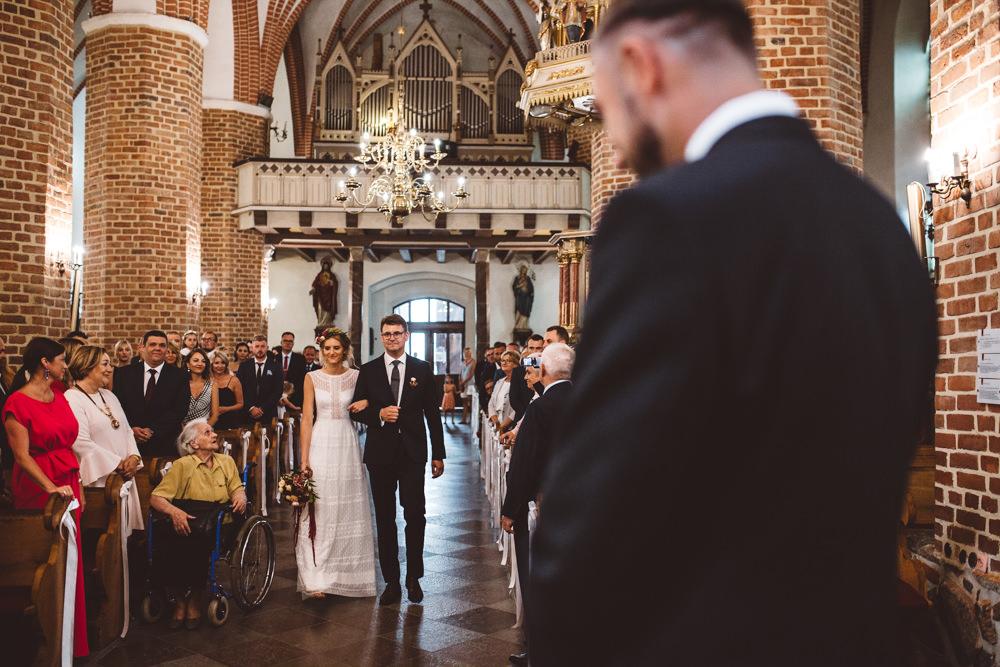 niesamowite wesele w cegielni rzucewo 040