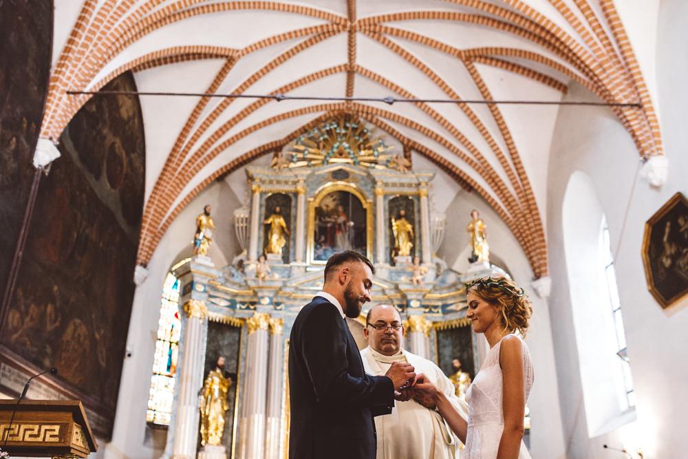 niesamowite wesele w cegielni rzucewo 048