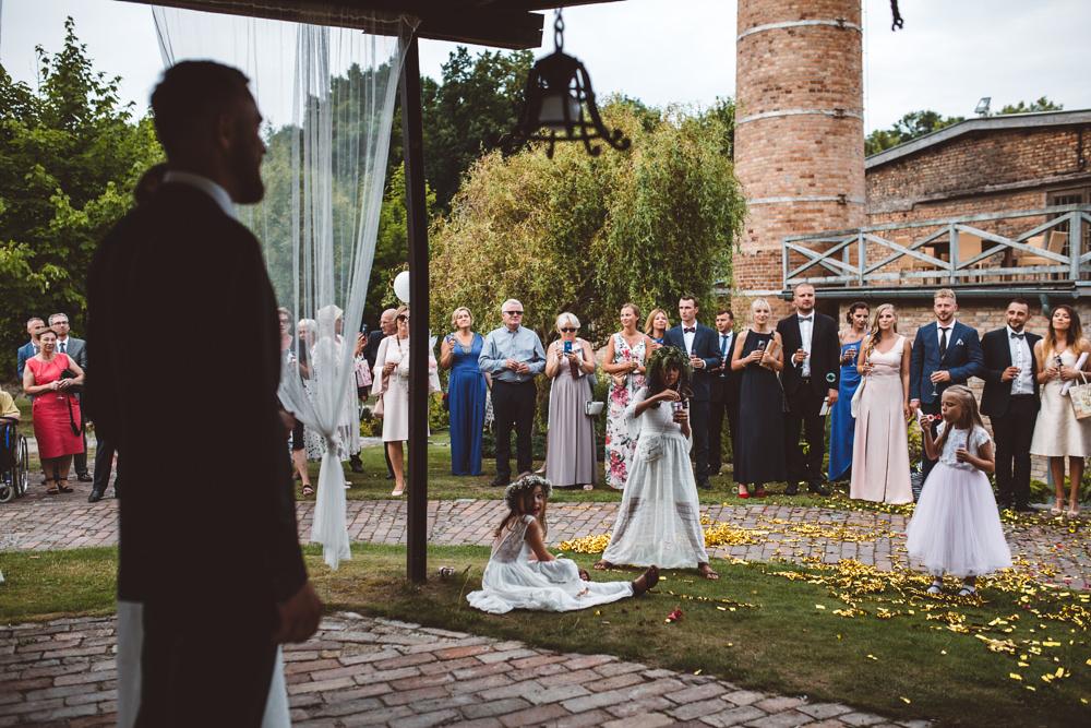 niesamowite wesele w cegielni rzucewo 075