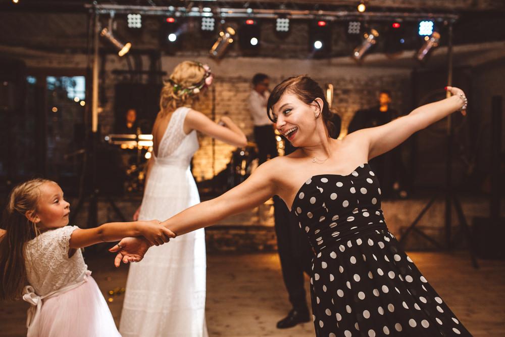 niesamowite wesele w cegielni rzucewo 105
