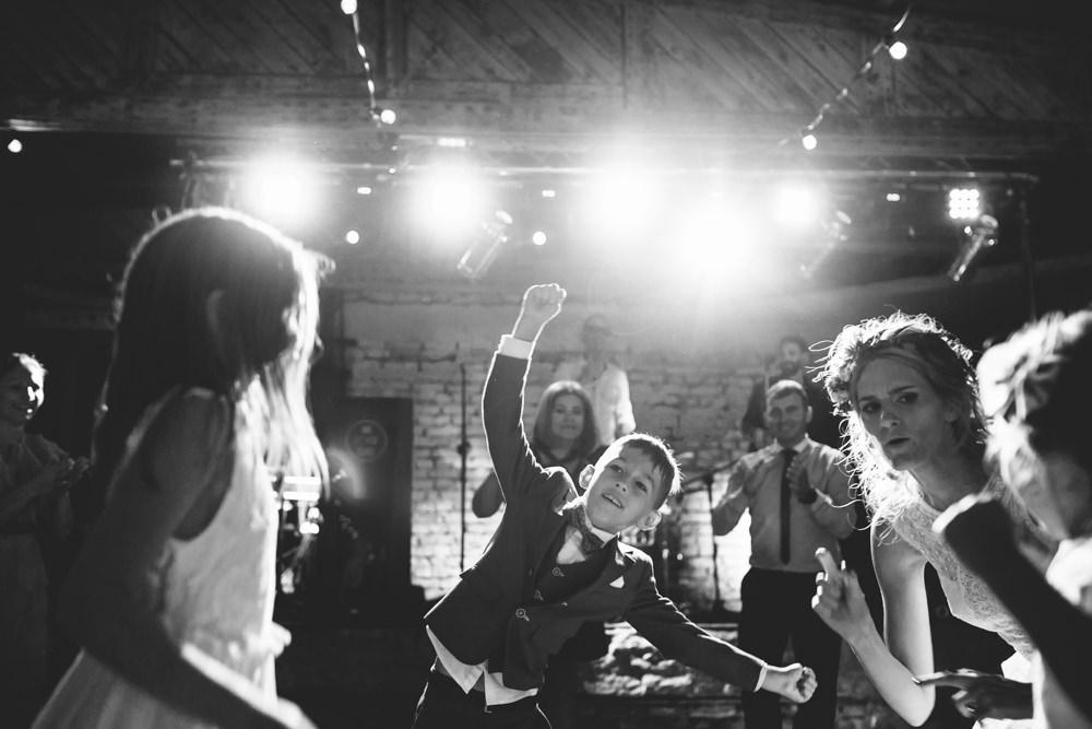 niesamowite wesele w cegielni rzucewo 115