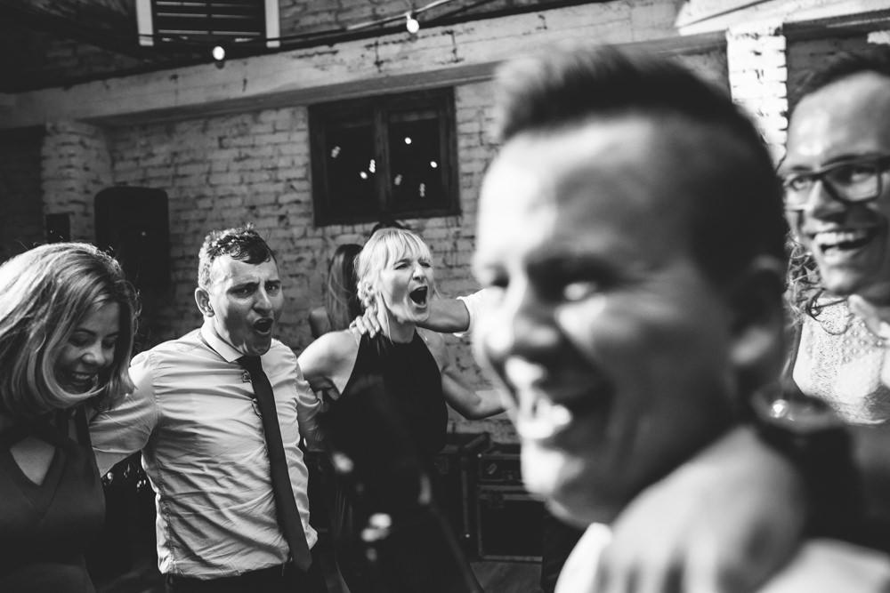 niesamowite wesele w cegielni rzucewo 120