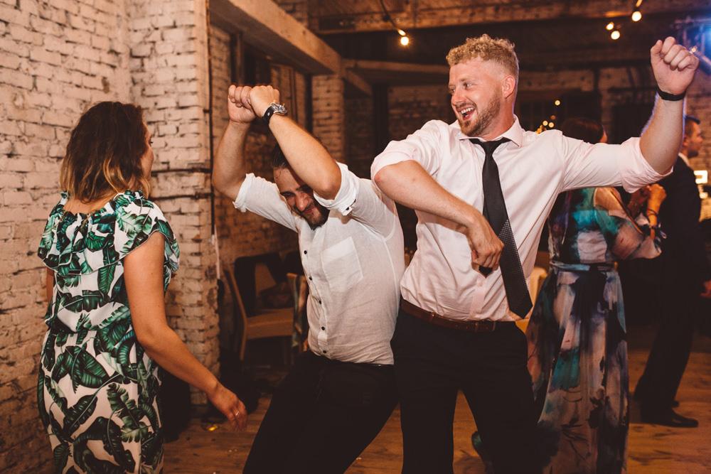 niesamowite wesele w cegielni rzucewo 129