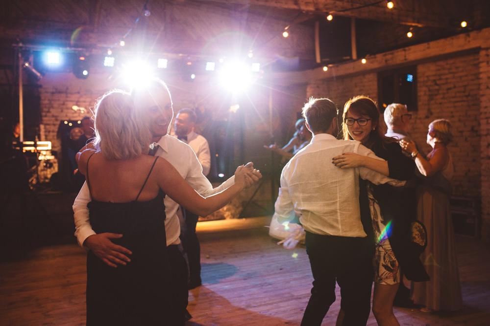 niesamowite wesele w cegielni rzucewo 134