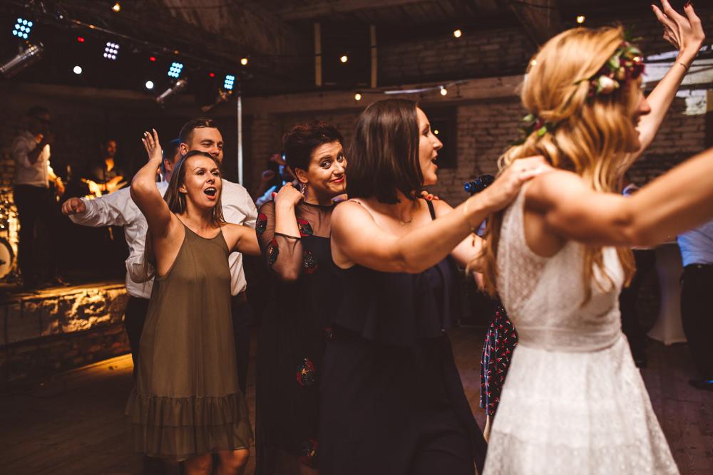 niesamowite wesele w cegielni rzucewo 138