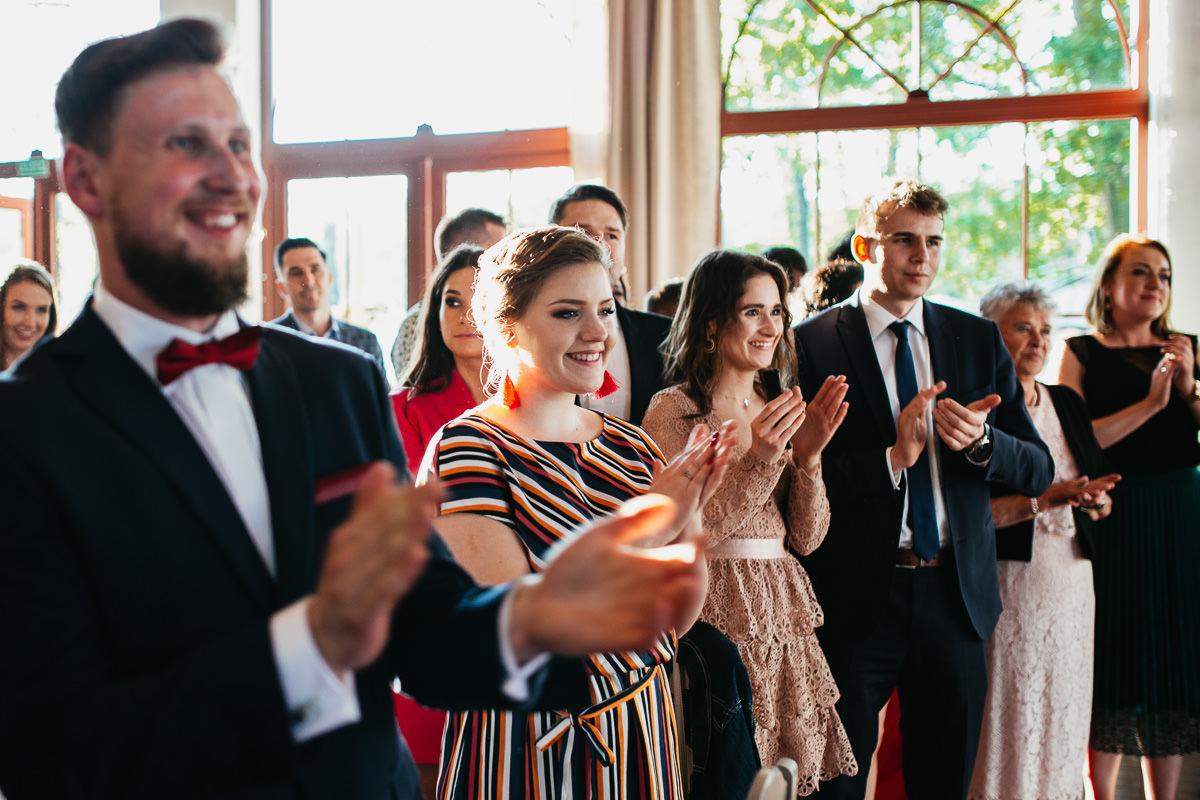 rustykalne wesele w zielonej bramie 074 1