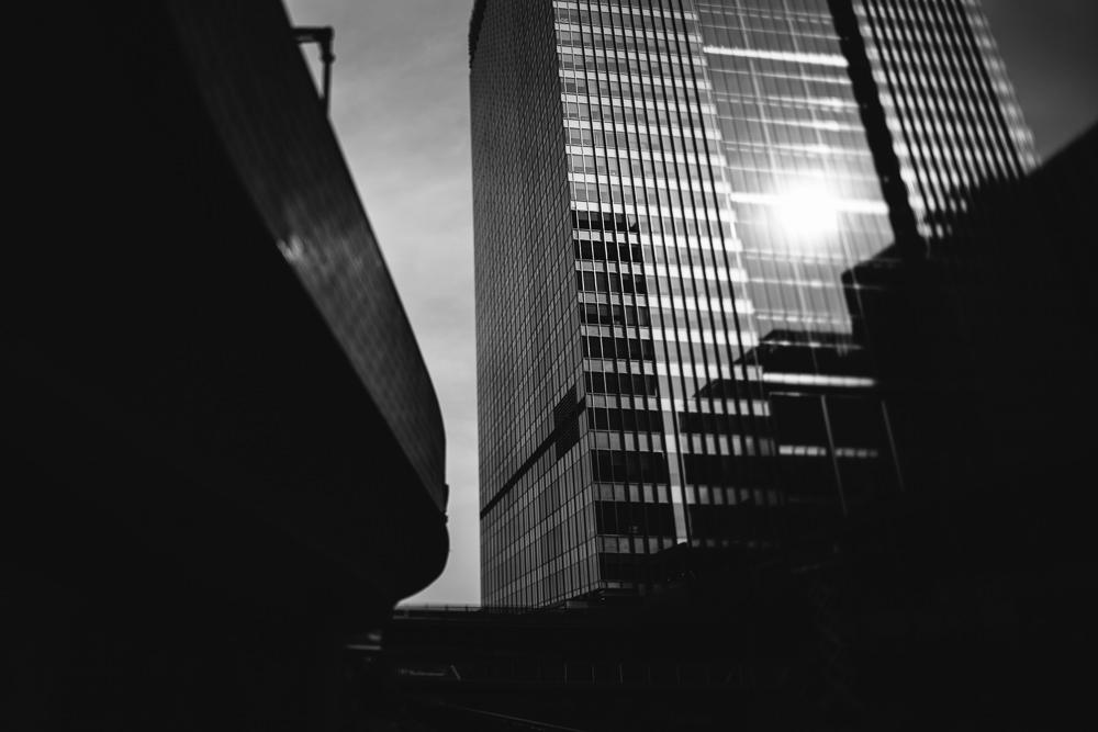 040 040 29 13 Skyscraper