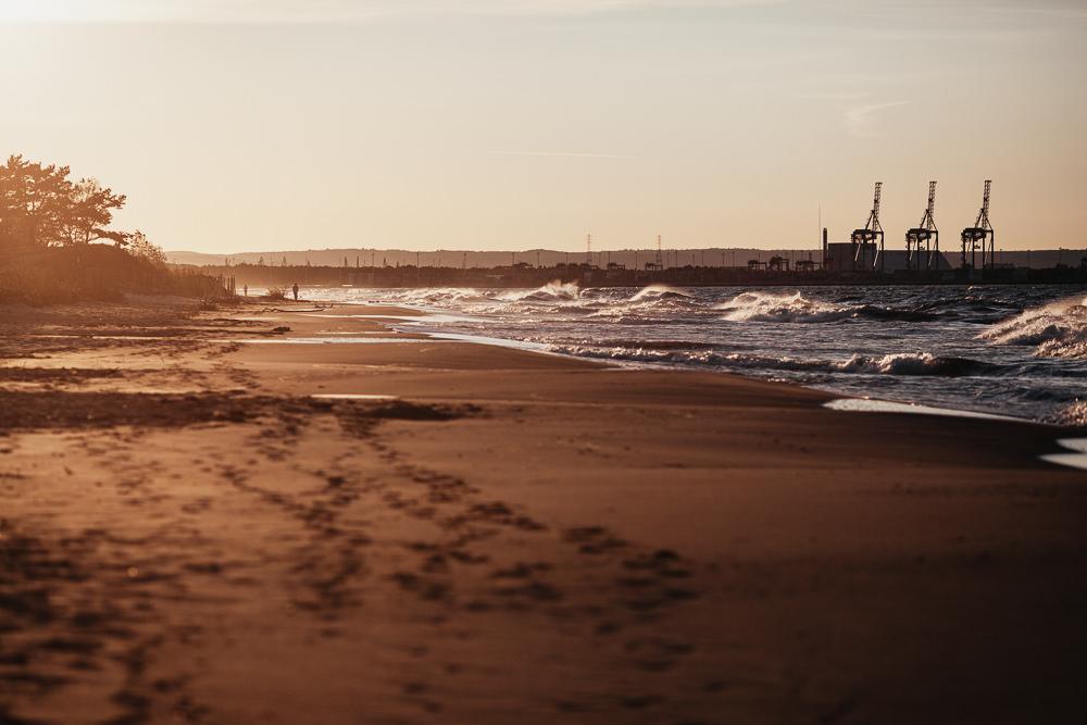 043 043 32 14 Sunset at the Beach