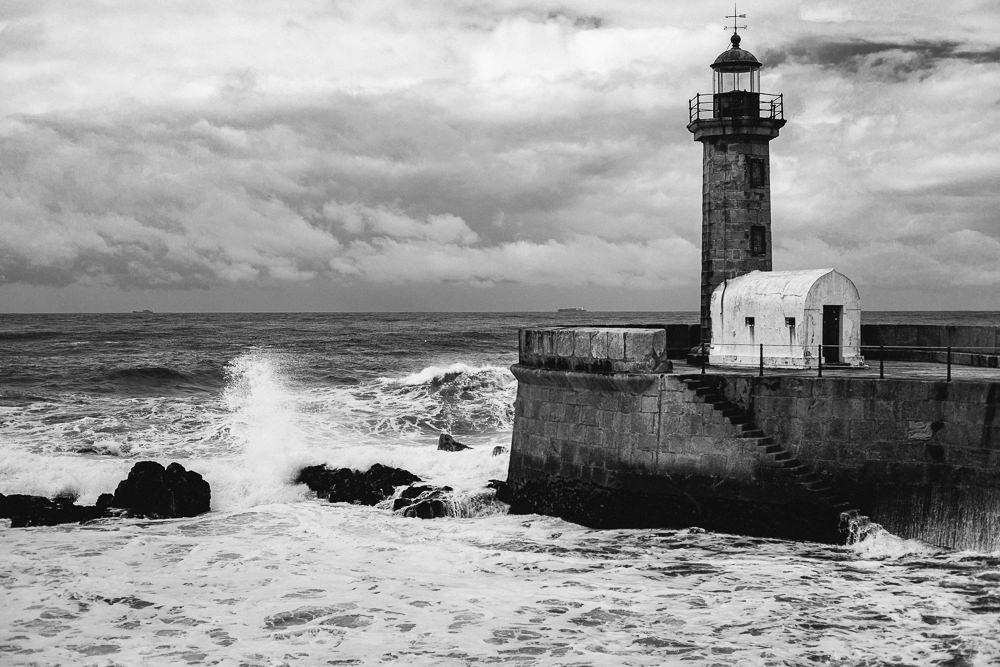 055 055 44 18 The Lighthouse