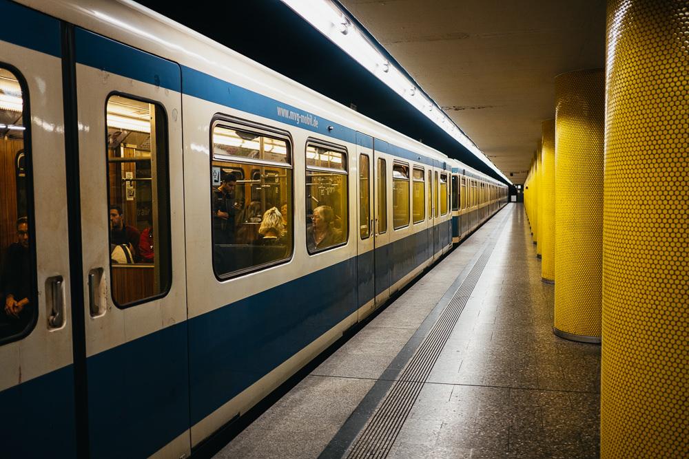 196 196 85 71 U Bahn