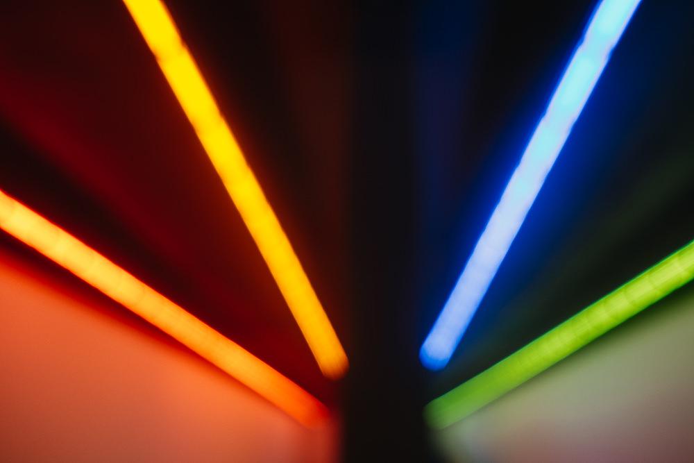 199 199 88 72 Neon Lights